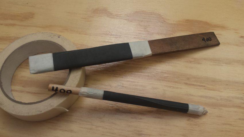 2 sanding sticks